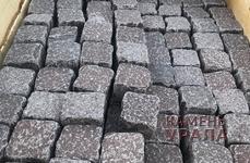 Брусчатка каменная колото-галтованная